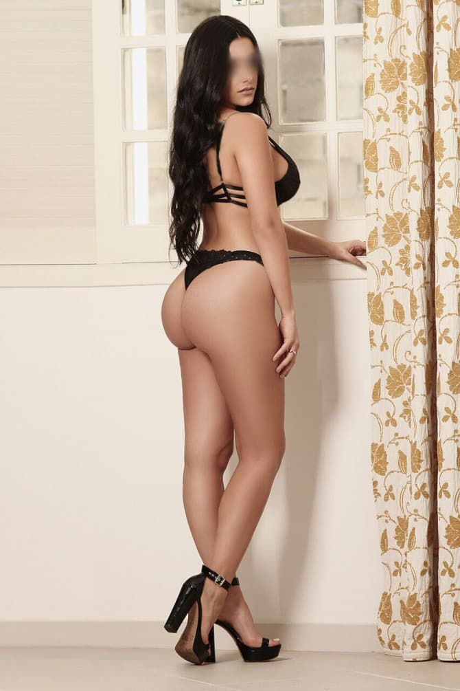 Gabrielle - escort available for travel to Lisbon
